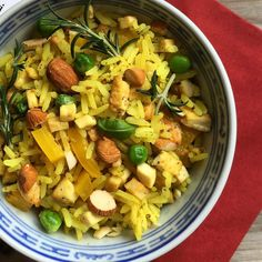 Rýže s uzeným tofu a zeleninou Tofu, Tempeh, Pasta Salad, Smoothie, Vegan, Ethnic Recipes, Fitness, Instagram, Crab Pasta Salad