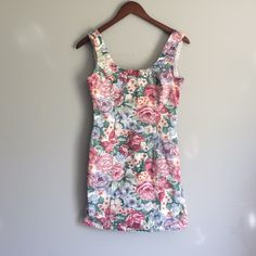 Vintage✨ BONGO Floral Denim Dress Such a great dress for festival season! The tag says it's a 7 but there's no way, fits closer to a size 4. BONGO Dresses
