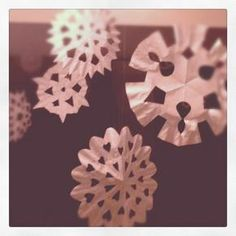 The Symmetry of Snowflakes - Celebrating the change of season with science and language arts activities. #winter