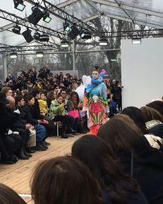 @manisharorafashion @totem_fashion @parisfashionweek #fun #manga #geisha #kimonostyle #inspiration #show #defile #pretaporter #readytowear #fashionweek #paris #newcollection #trends #fallwinter1819 #fashion #tendances #designers #pfw #modemonline #Model #magazine #presse #collezionidonna @karolina_trawinska via COLLEZIONI MAGAZINE official Instagram - #Beauty and #Fashion Inspiration - Beautiful #Dresses and #Shoes - Celebrities and Pop Culture - Latest Sales and Style News - Designer…