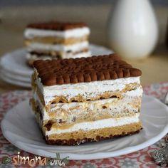 Tort Seherezada – un desert oriental - simonacallas Whole Food Recipes, Cookie Recipes, Dessert Recipes, Dessert Drinks, Pie Dessert, Romanian Desserts, Kolaci I Torte, Torte Cake, Sweets Cake