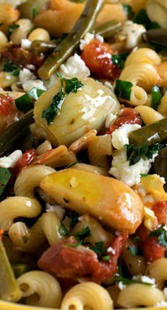 Mediterranean Pasta Primavera | A super flavorful vegetable and pasta dish with bright Mediterranean flavors. Perfect for a meatless meal or a side dish.