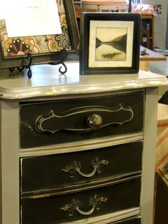 Love the contrast of Annie Sloan's Graphite and French Linen on this lingerie chest.  Painted right over the hardware and it looked amazing!