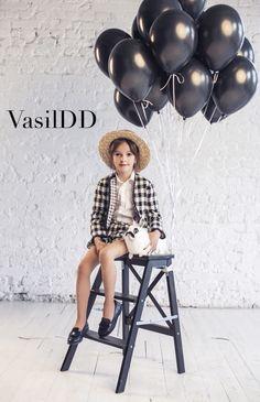 #VasilDD #Vasil #familylook #likemotherlikedoughter #blackandwight #black #wight #rabbit #net #fasion #kidfasion #style #kidstile #ballons #ЛюбовьВладимировна #Славенька
