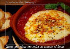 Queso provolone con salsa de tomate al horno