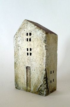 ceramic house made in high-fired stoneware by VesnaGusmanClayArt Clay Houses, Ceramic Houses, Miniature Houses, Kintsugi, Ceramic Pottery, Ceramic Art, Pottery Houses, Clay Cup, Wooden Buildings