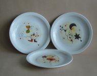 Geschirr für Kindergarten, Schulen, Horte, besonders stabiles Gastronomieporzellan: Teller Scandia 19 und 21 cm Motiven nach Miro