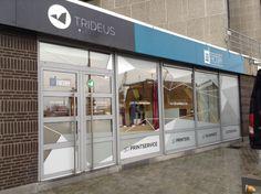 Belettering ramen 3D Factory te Antwerpen.