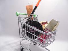 Czym różni się konsument od przedsiębiorcy? Jakie mamy prawa kupując jako konsument, a jakie jako przedsiębiorca?