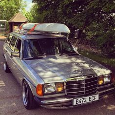 #mercedes #mb #mercy #mbclassic #mbenz #w123 #c123 #200d #240d #300d #e200 #e250 #e280 #w123club #club #cars #classic #classiccars #soloparking #germancars #diesel #coupe #sedan #wagon #estate #clubmates #caroftheday #carsogram #photooftheday Photo by @m2005k