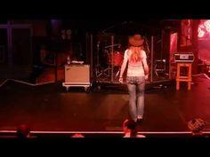 BIT OF IRISH Line Dance (Teach) - Séverine Moulin Billy Bob's  #billy #dance #irish https://tutotube.fr/danse-choregraphie/bit-of-irish-line-dance-teach-severine-moulin-billy-bobs/