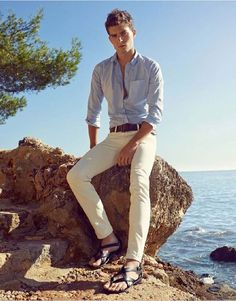 Paolo Anchisi for Giuseppe Zanotti Spring Summer 2015 Campaign Mode Masculine, Male Fashion Trends, Mens Fashion, Barefoot Men, Fashion Advertising, Sandals Outfit, Male Feet, Sharp Dressed Man, Spring Summer 2015