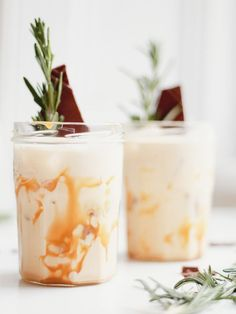 My love for cocktails knows no bounds, and living with a cocktail expert has definitely allowed me to pursue many flavour combinations! I wanted to whip up something dreamy and festive, something to s