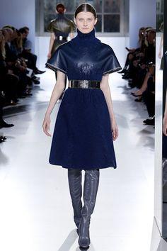 Balenciaga Fall/Winter 2014 Ready-to-Wear Collection Couture Fashion, Fashion Show, Fashion Outfits, Fashion Weeks, Fashion Silhouette, Fashion Details, Fashion Design, Balenciaga, Love Her Style