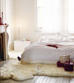 Básicos para amueblar el dormitorio: http://www.micasarevista.com/dormitorios/ideas/ideas21/ideas21_1.shtml