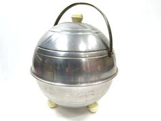 Hey, I found this really awesome Etsy listing at https://www.etsy.com/pt/listing/243890250/stainless-ice-bucket-mid-century-mini