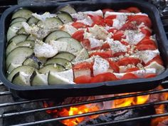 Caprese Salad, Zucchini, Sushi, Grilling, Bbq, Cooking Recipes, Vegetables, Ethnic Recipes, Foods