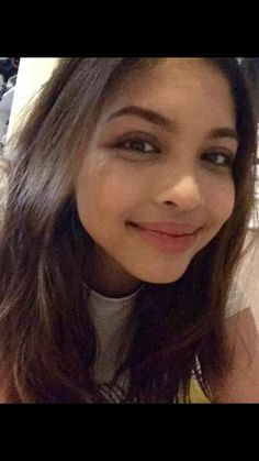 Pretty Maine Mendoza....papakasalan kita kahit saang simbhan, kahit kelan, i will give u all of me. Maine Mendoza, Alden Richards, Brows, Actresses, Pretty, Inspiration, Beautiful, Magazine Covers, Fanfiction