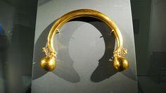 celts - gold torque. Vix, France 480 BCE