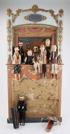 Punch & Judy Puppets & Stage : Lot 50 (please follow minkshmink on pinterest)