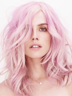 les cheveux roses    pink color hair
