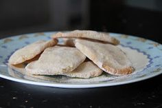 Mind Your Feed: Baby rusks, first attempt Toddler Meals, Kids Meals, Toddler Recipes, Toddler Boys, Baby Rusk Recipe, Baby Mum Mum, Mom, Bisquit Recipes, Baby Food Recipes