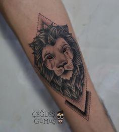 Lion tattoo - aslan dövmesi - geomteric tattoo - dotwork tattoo
