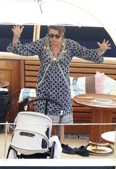 Summer Holiday Outfits, Holiday Clothes, Beatrice Borromeo, Princesa Carolina, Prince Rainier, Monaco Royal Family, Princess Stephanie, Grace Kelly, Vanity Fair