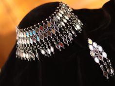 Choker Jewelry, Jewelry Sets, Jewelery, Chokers, Women Jewelry, Unique Jewelry, Silver Jewellery Indian, Indian Earrings, Women's Earrings