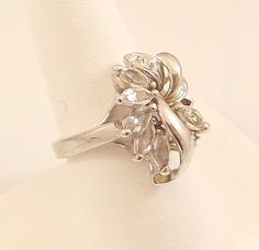 Ladies Austrian Crystal Clear Silver Ring ~Size 9 Free Gift Box