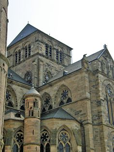 14th c. cathedral attached to the 4th c. cathedral Constantine built for his mother, Helena.