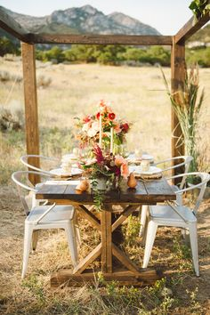 outdoor reception setup // photo by Jessica White Photography, styling by Branches Event Floral // http://ruffledblog.com/glittery-thanksgiving-wedding-ideas