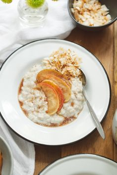 Everyday Oatmeal with Amaranth, Coconut, and Sautéed Apples   80twenty