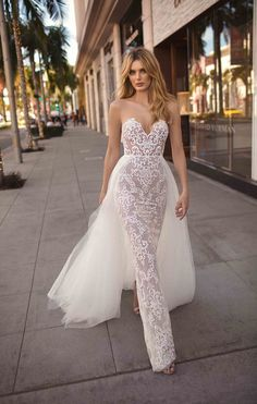d5f21232d3 How to Have a Unique Looking Gown on Your Wedding Day