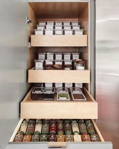 Happy & organized food storage by @thehappynest.ca! 🤩 . . . . . 📸: @thehappynest.ca . . . . . #iDesign #MyiDesign #iDLiveSimply #LiveSimply #organizingwithstyle #organized #organization #organizing #organizationideas #organizer #HomeOrganization #CleanHome #Organize #CleanandTidy #PantryOrganization #Snack Pantry Organization, Organizing, The Home Edit, Happy Kitchen, Container Store, Kitchen Trends, Food Storage, Storage Solutions, Countertops