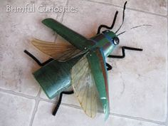 Insect model made from recycled materials Insect Crafts, Bug Crafts, Kids Crafts, Cardboard Model, Cardboard Sculpture, Recycled Materials, Craft Materials, Insects For Kids, Steve Jenkins