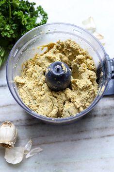 TWO SPOONS | The ULTIMATE Baked Falafels Baked Falafel, Falafel Recipe, How To Make Falafel, Vegan Risotto, Falafel Wrap, Vegan Meatloaf, Falafels, Homemade Hummus, Creamy Mushrooms