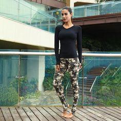 Butt Workout, Leather Pants, Capri Pants, Fashion, Capri Trousers, Moda, La Mode, Lederhosen, Fasion