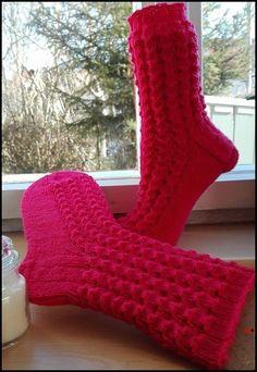 Annukka 🐊🐊🐊🐊🐊🐊 60 Gesamtmaschen Nadelspiel 2,5 Wolle von Gründl: Hot Socks Neon - Farbe 81 Größe 39/40 Bündche...