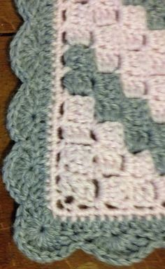 Crochet Pattern Afghans How to add a border to Corner 2 Corner afghan: - Crochet Blanket Border, Crochet Boarders, Crochet Blanket Patterns, Crochet Stitches, Crochet Edgings, Crochet Blankets, Filet Crochet, Afghan Crochet, Crochet Doilies