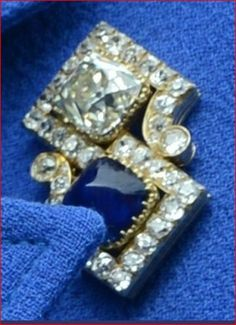 THE ROMANOVS JEWELRY -- The brooch of Dowager Empress Marie Feodorovna. It is said, it was presented by Marie to Queen Mary of Teck that in 1953 passed to HMTQ Elizabeth II.