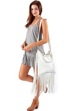 White Fringe Festival Bag   Markkit.com #festivalstyle #coachella #style #festival #summer #spring #ootd