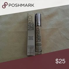 Urban Decay Naked Skin Weightless Concealer Urban Decay Naked Skin Weightless Complete Coverage Concealer Shade: Medium Neutral 1000% Authentic Serial code 88m30E Brand New Serial Numbers included (check last picture) Firm price Urban Decay Makeup Concealer