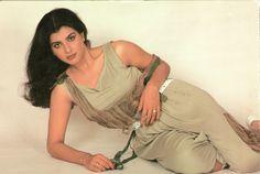.#AnitaRaj Bollywood Cinema, Indian Bollywood Actress, Bollywood Stars, Indian Actresses, Vintage Bollywood, Old Actress, Bollywood Celebrities, Classic Beauty, Indian Beauty