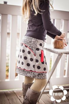 Cooler Style mit Hedy.Ein Sweatrock für alle Wetterlagen. Heute ist mir ganz spontan nach Bloggen und Schreiben. Woran das wohl liegt, frage ich mich gerade? Denn mich heute Abend noch an den Comput