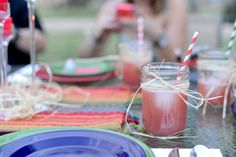 I want to serve this Watermelon Strawberry Aqua Fresca at my next party!!!! #15MinuteSuppers