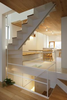 This home wasn& limited by its narrow lot: the architects built upward and focused on letting light flood every single room, maximizing vertical space for . Narrow House Designs, Modern House Design, Feng Shui Your Living Room, Home Decoration Images, Casa Loft, Small Room Design, Interior Windows, Japanese Interior, Modern Staircase