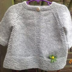 10 ideas, Free knitting instructions for baby hat - knitted . Baby Cardigan Knitting Pattern, Knitted Baby Cardigan, Baby Knitting Patterns, Knitting Ideas, How To Start Knitting, Knitting For Kids, Free Knitting, Diy Crafts Knitting, Pull Bebe