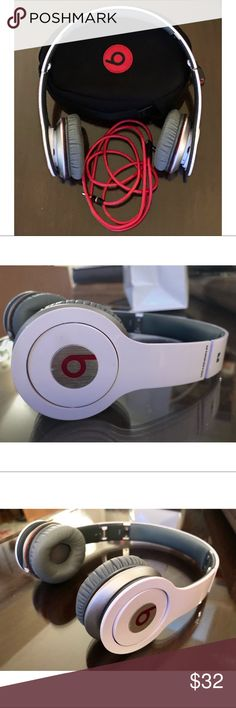 Shop Women s BEATS size OS Accessories at a discounted price at Poshmark. 57b8937ec