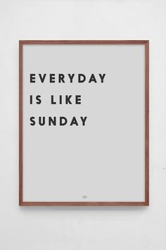Low Key - Poster Everyday is like Sunday large-1